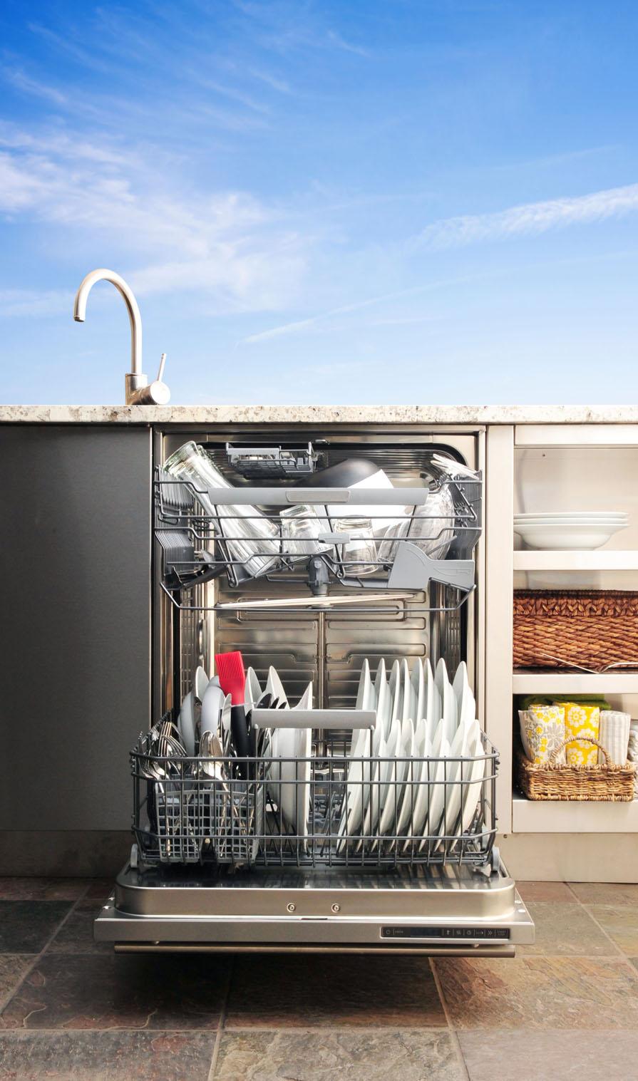 """KOG_Dishwasher_Open_Straight_Full"""