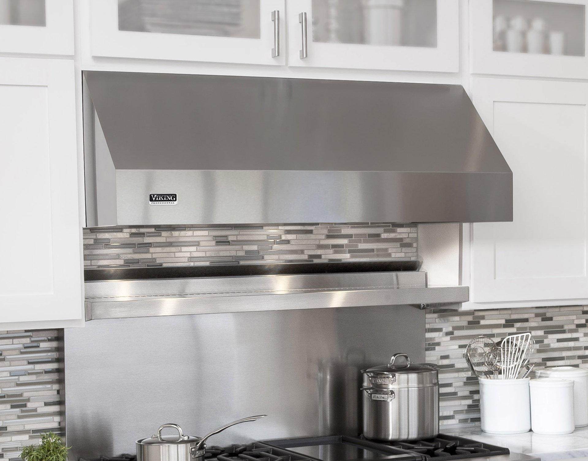 New Viking Kitchen Ventilation Hoods Deliver Professional Results For Your Home Kbis